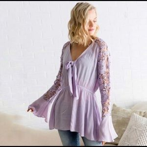 NWT Lavender Lace Sleeve Top from Buckle